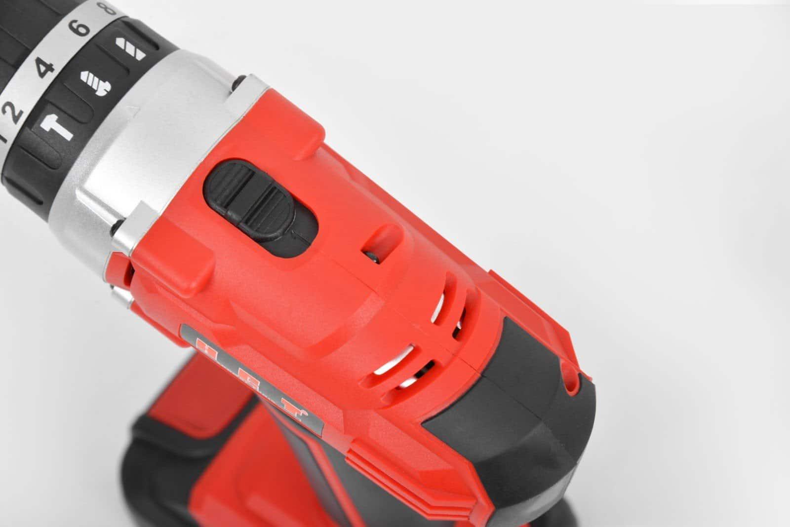 Aparafusadora a bateria c/ martelo  HCT SD1278B 20V